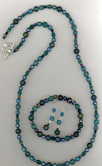 Gift For The Holidays ~ Emerald Blue Beaded Jewelry Set