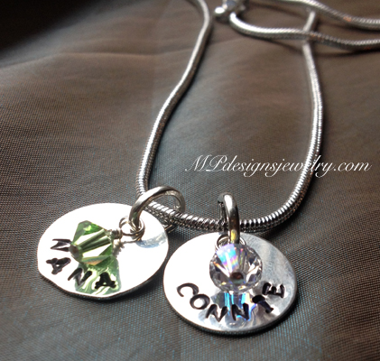 Custom Grandmother/Mother Personlized Name Necklace