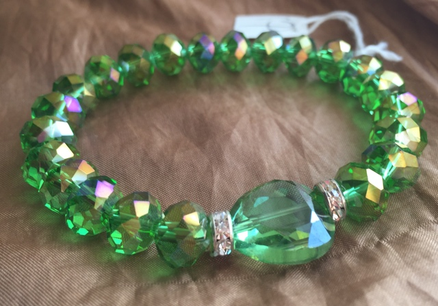 Peridot Green Crystal Heart Stretch Bracelet