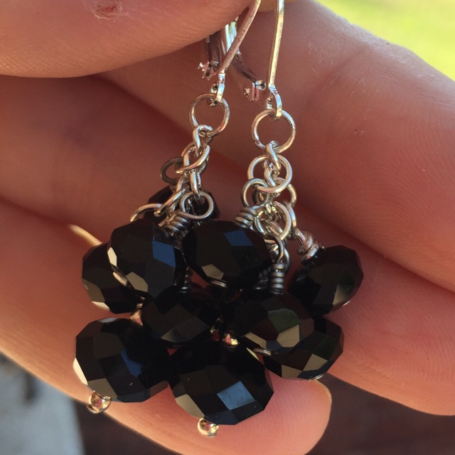 Crystal Cluster earrings in black