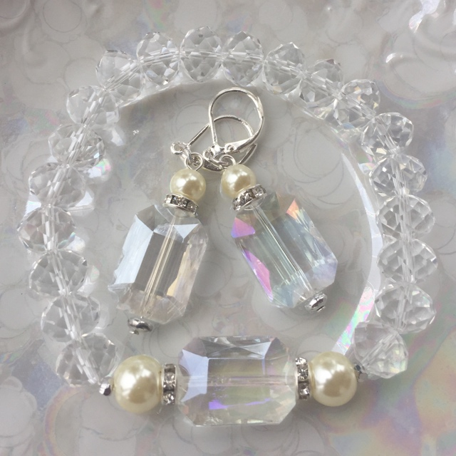 Crystal & Pearl Fancy Bracelet/Earrings Set