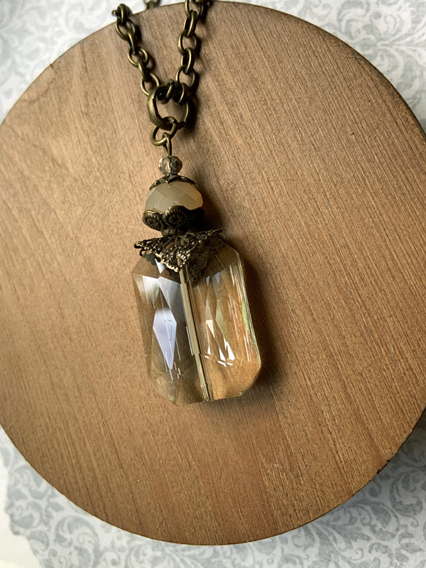 Vintage Vanilla Champagne Crystal Gold Necklace