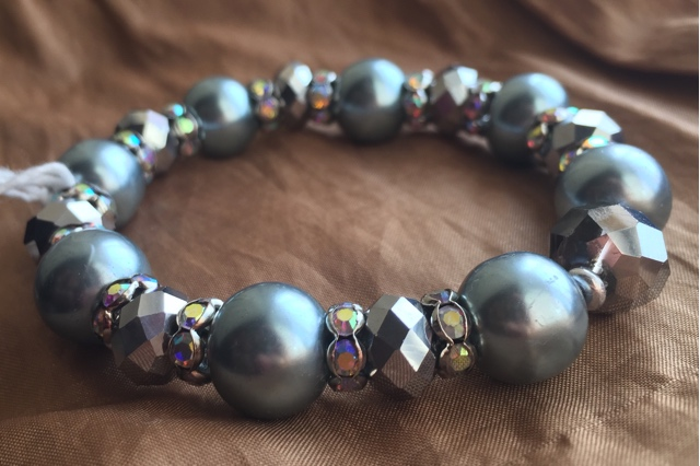 Fancy Silver Grey Pearl Crystal Sparkle Stretch Bracelet