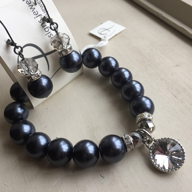 Midnight Black Fancy Pearl Crystal Bracelet Earrings Set