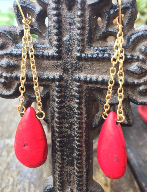 Red Howlite teardrop goldchain  Earrings