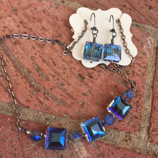 Brilliant Blue Jewelry Set
