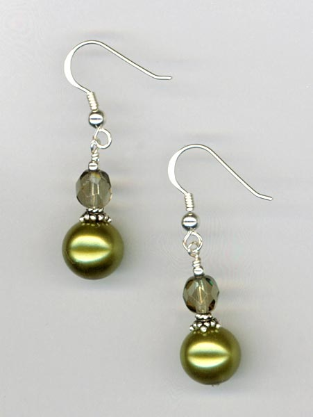 Elegant Pearl Olive earrings